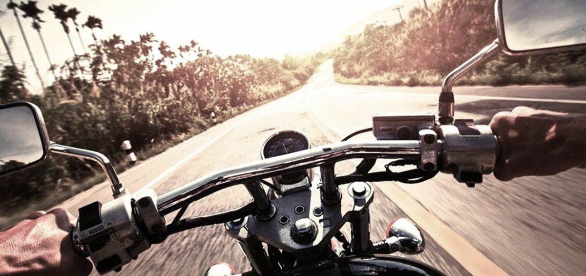 Consejos-para-montar-moto-en-verano